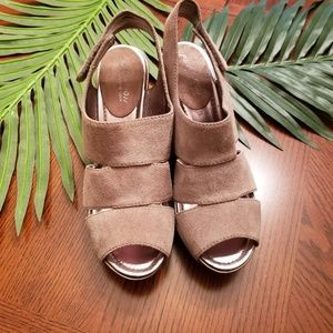 KENNETH COLE REACTION WEDGE SANDAL BROWN Size 9.5
